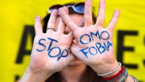 (Italiano) Teatro dell'Oppresso contro l'omofobia